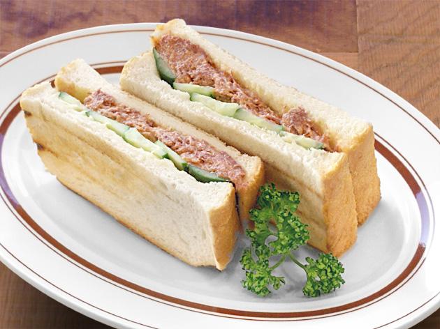 コンビーフのサンドイッチ