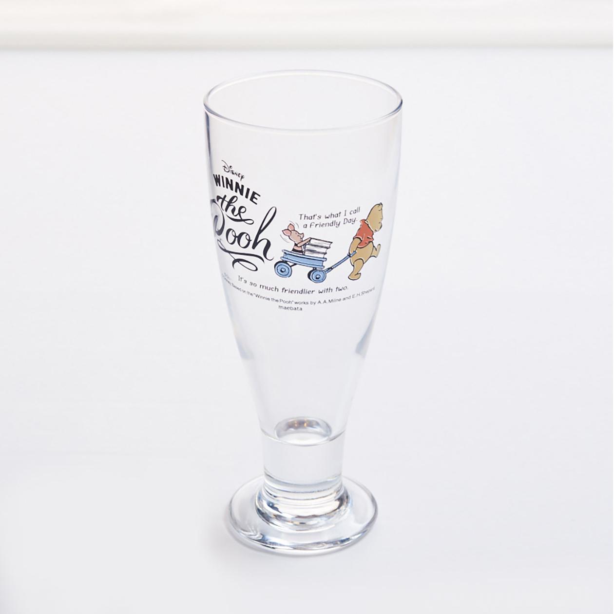 プーさんのグラス。パステル調のイラスト入り